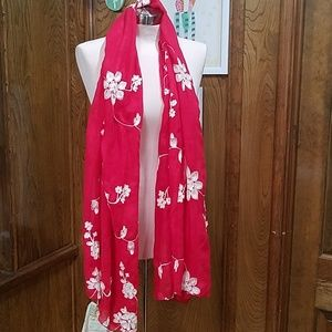 Red embroidered aratta scarf